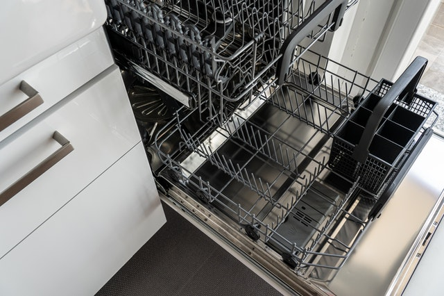 4 Reasons Why Your Dishwasher Might Be Malfunctioning