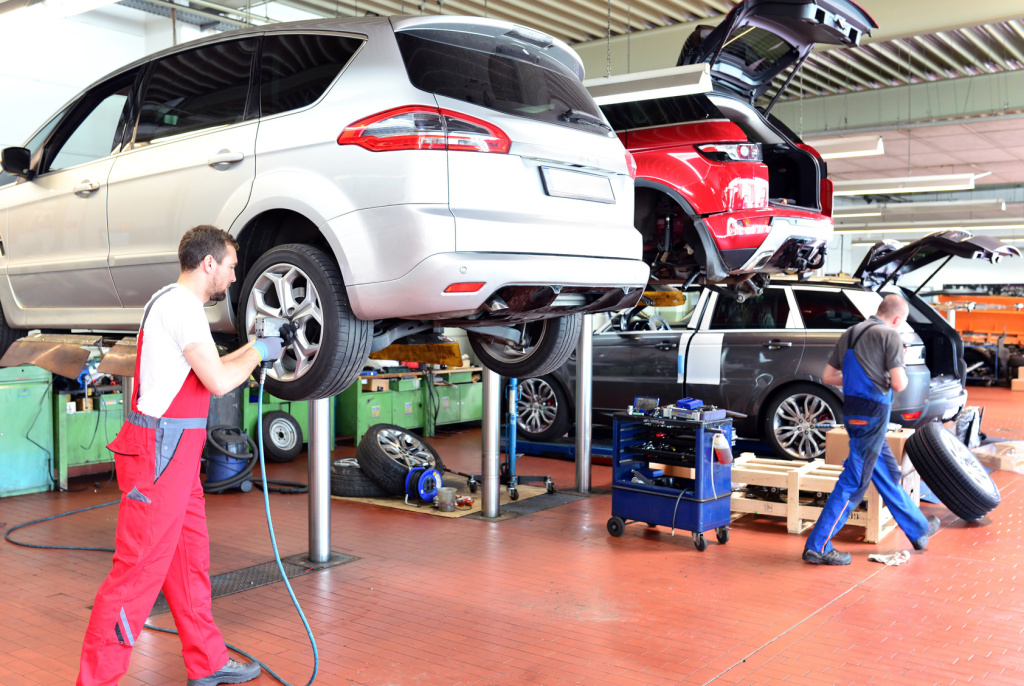 How To Identify The Most Suitable Auto Service Center