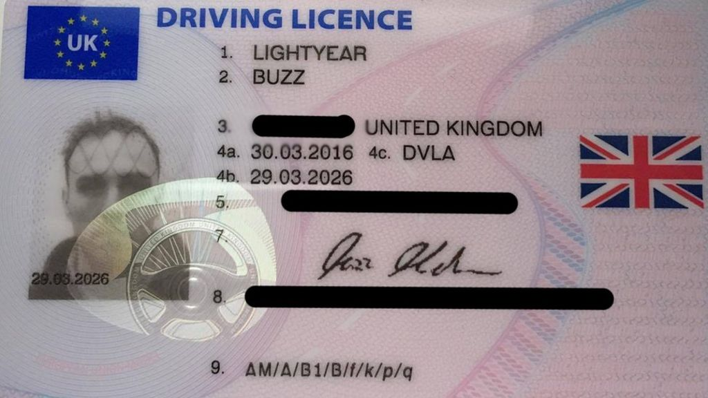 DVLA to Provide Digital Driving Licences by 2018