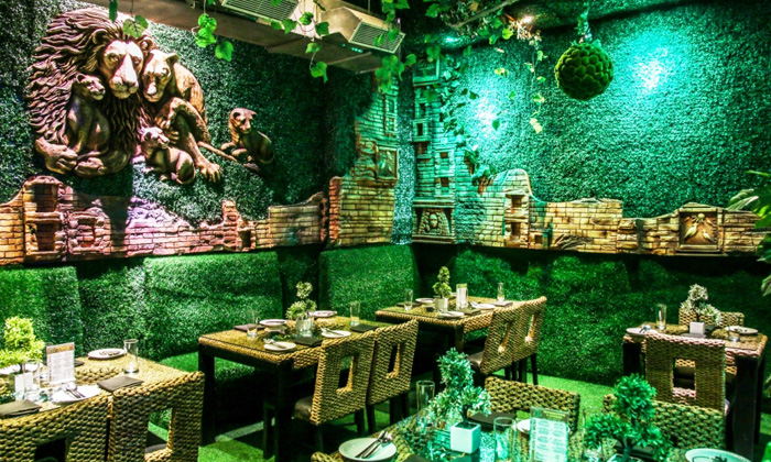 4 Branches Of Jungle Jamboree To Visit In Delhi For A Lavish 7-Course Meal