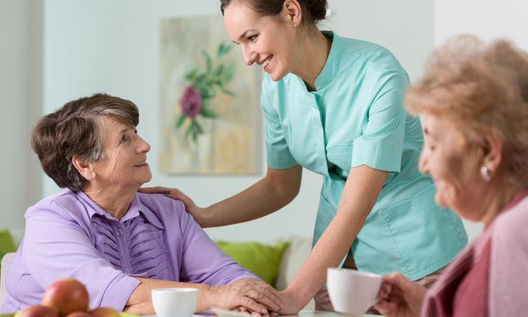 4 Ways to Transition Your Loved One Into A Care Facility